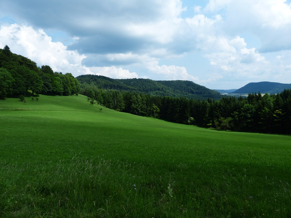 Massif du Jura : du sport et de la nature en toute saison !