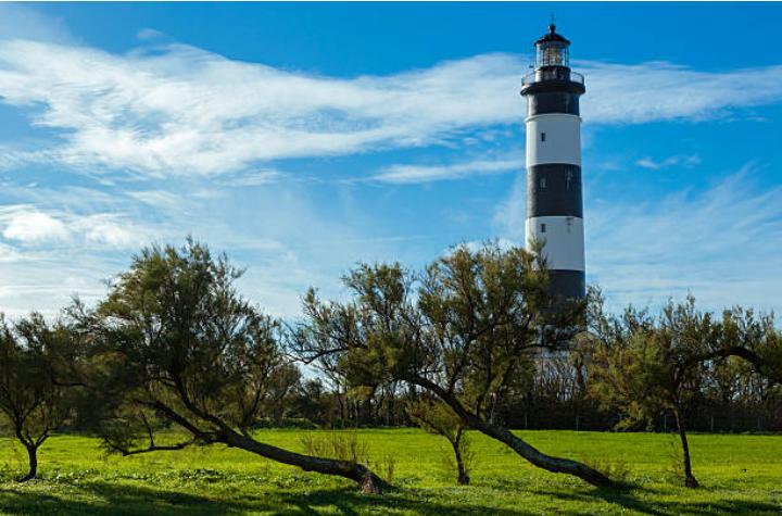 Le phare noir et blanc de l'île d'Oléron