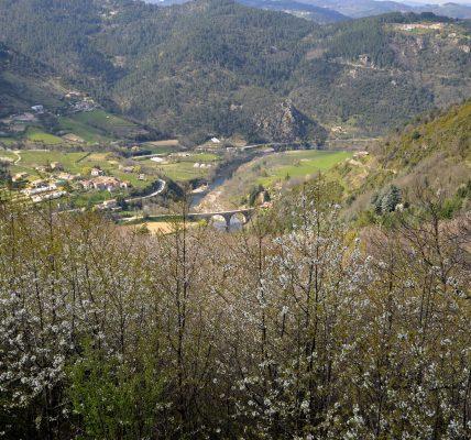 vue de la vallée de l'Eyrieux en Ardèche